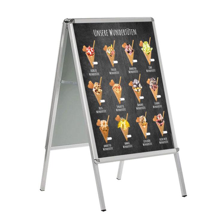12 verschieden dekorierte Wundertüten auf DIN A 1 Banner für Kundenstopper
