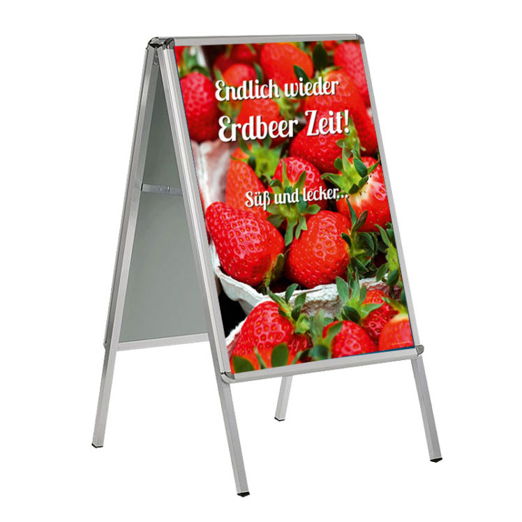 Plakat mit frischen Erdbeeren